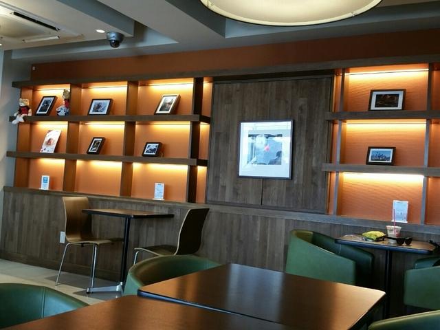 内観写真  : シナボン/シアトルズベストコーヒー 六本木店 (CINNABON) - 六本木/スイーツ(その他) [食べログ] (5400)