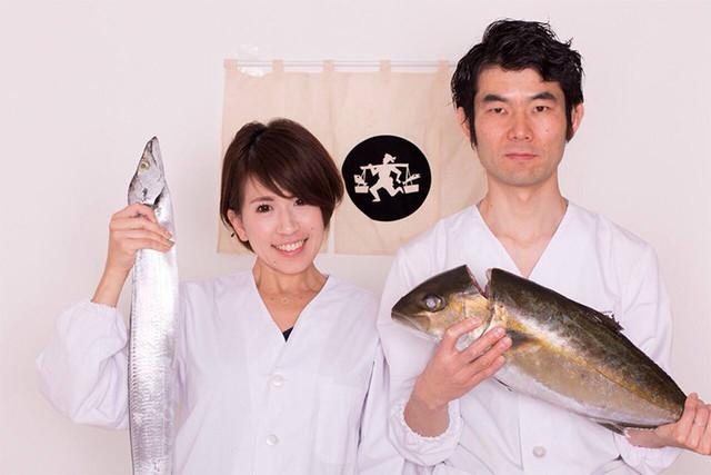浅井有美さん(左)とご主人の浅井和浩さん(右)