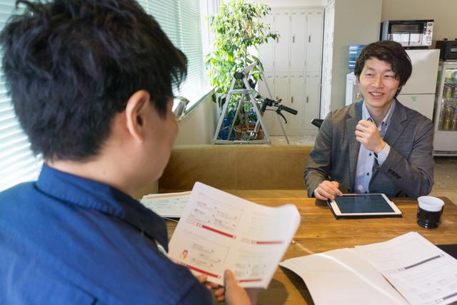 エコネットワークス 代表取締役 野澤健さん(右)