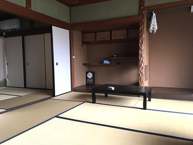 2階は広〜い和室!